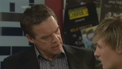 Paul Robinson, Andrew Robinson in Neighbours Episode 5842