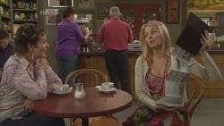 Susan Kennedy, Donna Freedman in Neighbours Episode 5842