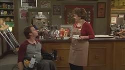 Lucas Fitzgerald, Lyn Scully in Neighbours Episode 5842