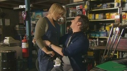 Steph Scully, Lucas Fitzgerald in Neighbours Episode 5843