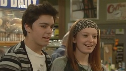 Zeke Kinski, Mia Zannis  in Neighbours Episode 5843