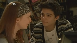 Mia Zannis, Zeke Kinski  in Neighbours Episode 5843