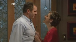 Karl Kennedy, Susan Kennedy  in Neighbours Episode 5843
