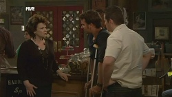 Lyn Scully, Lucas Fitzgerald, Toadie Rebecchi  in Neighbours Episode 5843