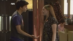 Zeke Kinski, Mia Zannis in Neighbours Episode 5844