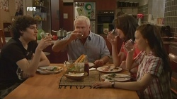 Harry Ramsay, Lou Carpenter, Kate Ramsay, Sophie Ramsay in Neighbours Episode 5844