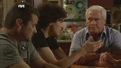 Toadie Rebecchi, Harry Ramsay, Lou Carpenter in Neighbours Episode 5845
