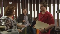 Rebecca Napier, Paul Robinson, Kyle Canning in Neighbours Episode 5849