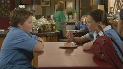 Callum Jones, Sophie Ramsay in Neighbours Episode 5849
