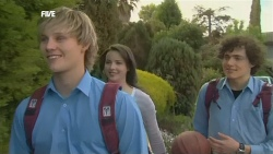 Andrew Robinson, Kate Ramsay, Harry Ramsay in Neighbours Episode 5851