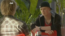 Andrew Robinson, Scott 'Griffo' Griffin in Neighbours Episode 5851