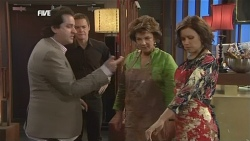 Guy Grossi, Paul Robinson, Lyn Scully, Rebecca Napier in Neighbours Episode 5852