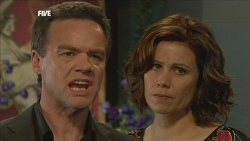 Paul Robinson, Rebecca Napier in Neighbours Episode 5853