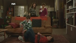 Ben Kirk, Libby Kennedy, Susan Kennedy, Callum Jones in Neighbours Episode 5853