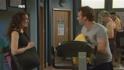 Libby Kennedy, Lucas Fitzgerald in Neighbours Episode 5854