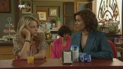 Donna Freedman, Rebecca Napier in Neighbours Episode 5854