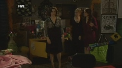 Rebecca Napier, Sonya Mitchell, Libby Kennedy in Neighbours Episode 5854