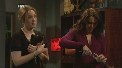 Sonya Mitchell, Libby Kennedy in Neighbours Episode 5854