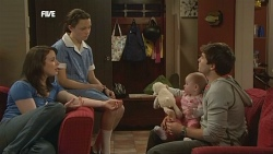 Kate Ramsay, Sophie Ramsay, India Napier, Declan Napier in Neighbours Episode 5855
