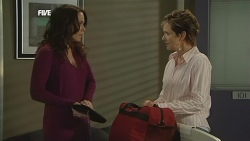Libby Kennedy, Susan Kennedy in Neighbours Episode 5855