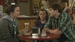 Kate Ramsay, Sophie Ramsay, Declan Napier in Neighbours Episode 5855