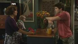 Rebecca Napier, India Napier, Declan Napier in Neighbours Episode 5856