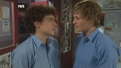 Harry Ramsay, Andrew Robinson in Neighbours Episode 5856