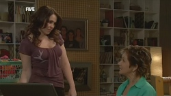 Libby Kennedy, Susan Kennedy in Neighbours Episode 5857