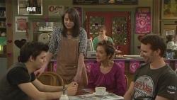 Zeke Kinski, Kate Ramsay, Susan Kennedy, Lucas Fitzgerald in Neighbours Episode 5858