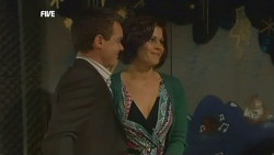 Paul Robinson, Rebecca Napier in Neighbours Episode 5859