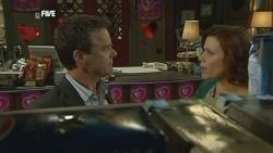 Paul Robinson, Rebecca Napier in Neighbours Episode 5860