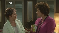 Susan Kennedy, Lyn Scully in Neighbours Episode 5860