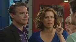 Paul Robinson, Rebecca Napier, Declan Napier in Neighbours Episode 5860