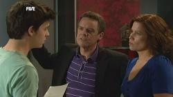 Zeke Kinski, Paul Robinson, Rebecca Napier in Neighbours Episode 5860
