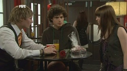 Andrew Robinson, Harry Ramsay, Summer Hoyland in Neighbours Episode 5860