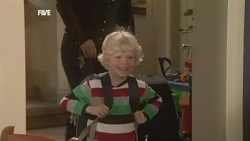 Steph Scully, Charlie Hoyland in Neighbours Episode 5860