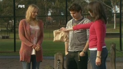 Donna Freedman, Declan Napier, Kate Ramsay in Neighbours Episode 5861