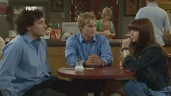Harry Ramsay, Andrew Robinson, Summer Hoyland in Neighbours Episode 5862