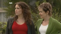 Libby Kennedy, Susan Kennedy in Neighbours Episode 5863