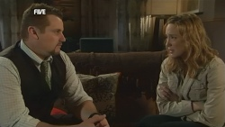 Toadie Rebecchi, Sonya Mitchell in Neighbours Episode 5863