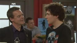 Paul Robinson, Harry Ramsay in Neighbours Episode 5865