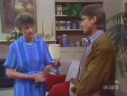 Nell Mangel, Derek Morris in Neighbours Episode 0433