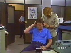 Des Clarke, Clive Gibbons in Neighbours Episode 0435