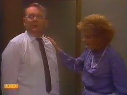 Harold Bishop, Madge Bishop in Neighbours Episode 0817
