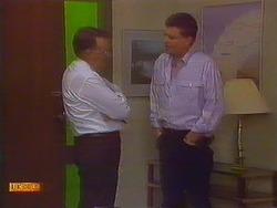 Harold Bishop, Des Clarke in Neighbours Episode 0817