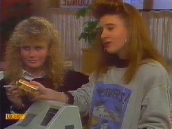 Pam, Vanessa in Neighbours Episode 0817