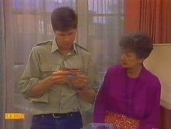 Joe Mangel, Nell Mangel in Neighbours Episode 0817
