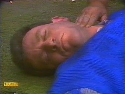 Des Clarke in Neighbours Episode 0818