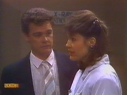Paul Robinson, Beverly Marshall in Neighbours Episode 0818