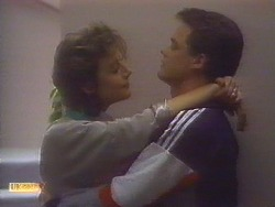 Gail Robinson, Paul Robinson in Neighbours Episode 0819